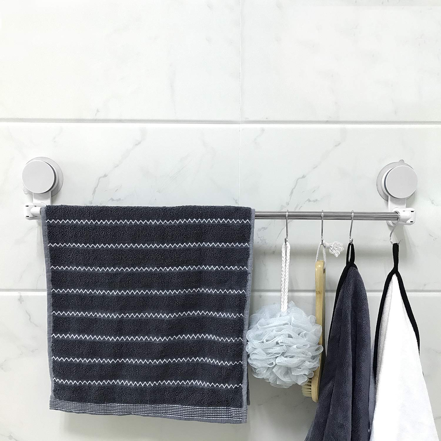 AND009583. Telescopic Bathroom and Kitchen Rod with Hooks